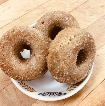 Medium cinnamon and sugar minis